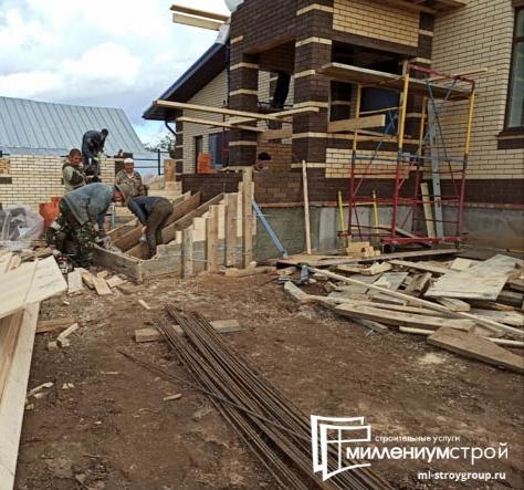 Строительство наружной лестницы.